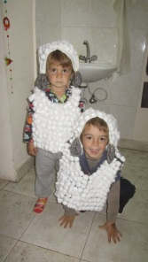 kids dressed up as lambs